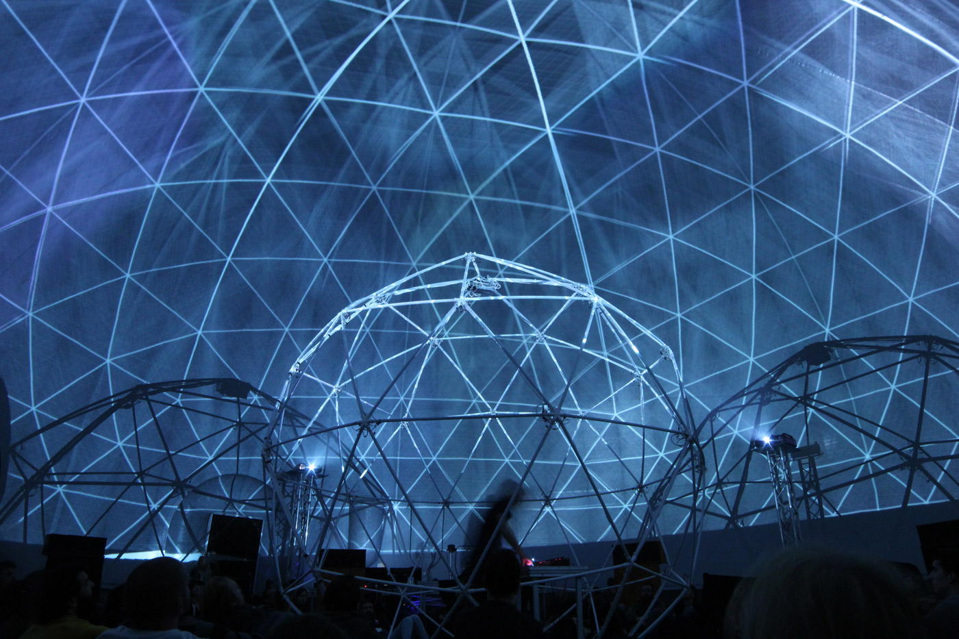 FULLDOME FRACTION MIRA FESTIVAL